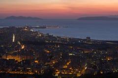 特拉帕尼和Egadi海岛在晚上 免版税库存图片