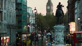 特拉法加广场,从查尔斯雕象到大本钟,轨道通过 股票录像