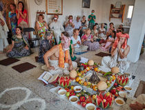 特拉维夫- 10 05 2017年:早期梵文的传统野兔婚姻ta的克里希纳 图库摄影