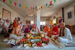 特拉维夫- 10 05 2017年:早期梵文的传统野兔婚姻ta的克里希纳 免版税库存图片