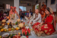 特拉维夫- 10 05 2017年:早期梵文的传统野兔婚姻ta的克里希纳 免版税库存照片