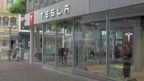 特斯拉商店和服务中心在法兰克福,德国 股票视频