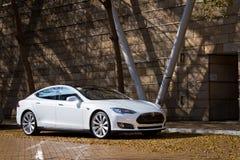 特斯拉模型S电子汽车 免版税库存照片