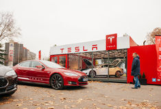 特斯拉模型S电车零放射 免版税库存图片