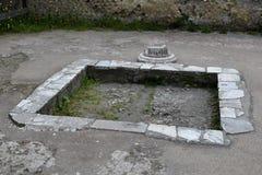 水特点,赫库兰尼姆考古学站点,褶皱藻属,意大利 库存照片