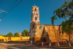 特立尼达,古巴:老被破坏的天主教 库存图片