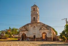 特立尼达,古巴:老被破坏的天主教 库存照片