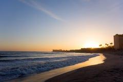 维特纳在日落,加州的市海滩 免版税库存图片
