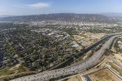 维特纳高速公路和洛杉矶河在柏本克 免版税库存图片
