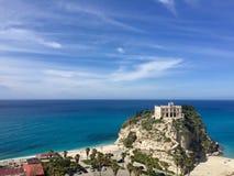 特罗佩亚,意大利海岛的玛丹娜的圣所  免版税库存图片
