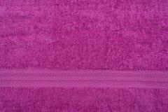 特里丁香色的布料毛巾 免版税库存照片