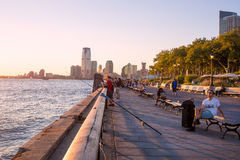 巴特里公园在日落的纽约 免版税库存照片
