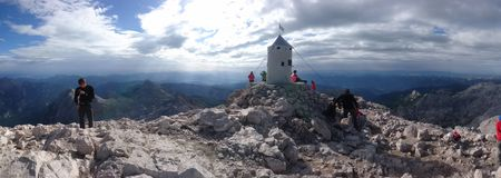 特里格拉夫峰山Aljazev stolp 免版税库存照片