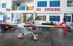 特雷弗贾维思没有` s的飞机 58个`声波徒升`航空器塑造在空气种族1世界杯泰国的Cassutt III-M 2017年在U-Tapao空军基地 免版税库存图片
