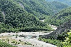 特雷比亚河河在意大利创造一个暗示峡谷 免版税库存图片