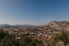 特雷比涅市波斯尼亚和Herzwgovina鸟瞰图  库存图片
