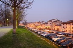 特雷维索市在晚上,意大利 免版税图库摄影