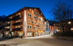 巴特霍夫加施泰因,奥地利 都市风景山滑雪胜地巴特霍夫加施泰因-一最普遍的滑雪胜地在奥地利 库存照片