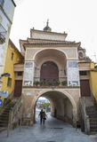 特鲁希略角门,卡塞里斯,西班牙 免版税库存照片