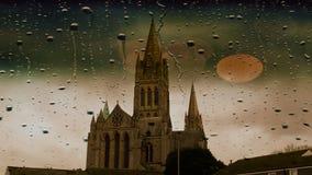 特鲁罗大教堂在一下雨天 库存照片