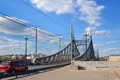 特维尔,俄罗斯-可以07 2017年 横跨伏尔加河的Starovolzhsky桥梁 库存图片