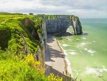 彻特d'Albatre或雪花石膏海岸峭壁d'Aval的Porte etretat法国 库存照片