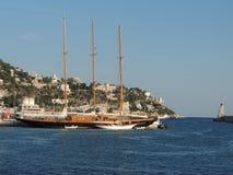 彻特d'Azur,在尼斯口岸的游艇  库存照片