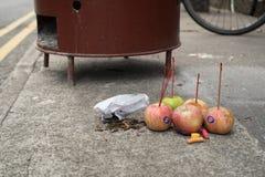牺牲提供在中国中元节精神节日02的街道上 免版税库存图片