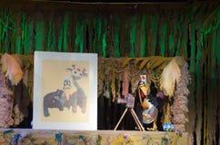 犀牛和长颈鹿 图库摄影