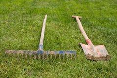 犁耙铁锹 免版税库存图片