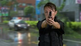 犯罪现场的亚裔美国人警察 股票视频