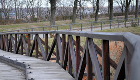 状况良好在彼得罗瓦拉丁堡垒的冬日期间老桥梁从18世纪 图库摄影