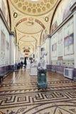 状态偏僻寺院的内部在圣彼得堡,俄罗斯 免版税库存照片