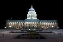 犹他状态国会大厦大厦在晚上 免版税库存图片
