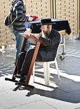 犹太人人祈祷 库存图片