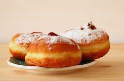 犹太假日光明节的图象与油炸圈饼的