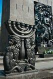 犹太华沙-对少数民族居住区英雄的纪念碑踪影  库存照片