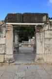 犹太教堂的侧视图在Capernaum 库存照片
