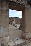 犹太教堂的入口在Capernaum 库存图片