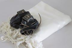 犹太教对象tallit祷告的tefillin siddur 库存照片