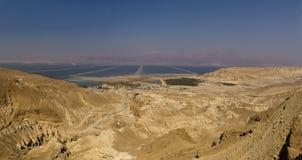犹太沙漠和死海风景 免版税库存照片