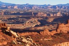 犹他Canyonlands全国公园白的外缘路 免版税库存图片