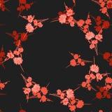 狂放的小红色花的无缝的样式与花卉米黄花圈的在黑背景 水彩 免版税库存照片