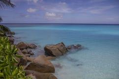 狂放的海滩在塞舌尔群岛 免版税库存图片