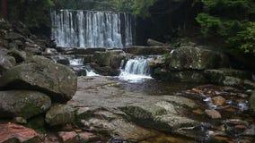 狂放的瀑布在卡尔帕奇 影视素材