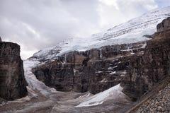 狂放的自然在落矶山,六冰川平原  免版税库存照片