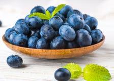 狂放的莓果和薄菏Ð'unch  免版税库存照片