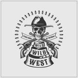 狂放的西部标签 头骨、子弹和枪 库存例证