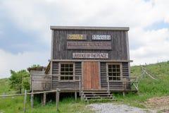 狂放的西部电影布景,在Fuzine北部,克罗地亚 免版税库存图片