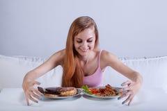 狂欢在许多的女孩食物 免版税库存图片